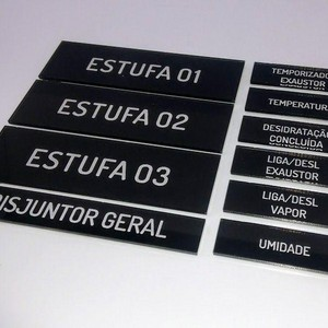 Comprar etiqueta acrílica com gravação a laser