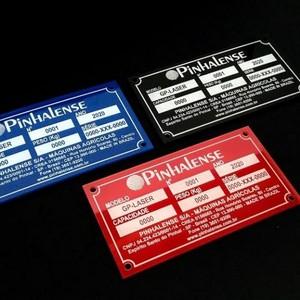 Comprar etiqueta acrílica com número de série