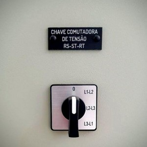 Etiqueta acrílica para quadro elétrico preço